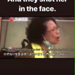 Polisi hongkong dengan perlengkapan tempur menembak wajah seorang ibu tak bersenjata